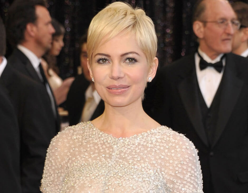 michelle williams con corte pixie